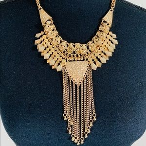 Jewelry - Gold Egyptian inspired necklace